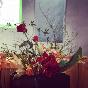 新年、礼拝堂の花
