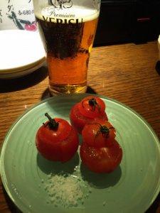 坐唯杏:冷やしトマトと琥珀ヱビス