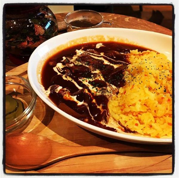 【Instagram】ランチタイムは時間を楽しむカフェ「タイムズカフェ」でハヤシライスを食べてみました。#タイムズカフェ #ランチ #ハヤシライス