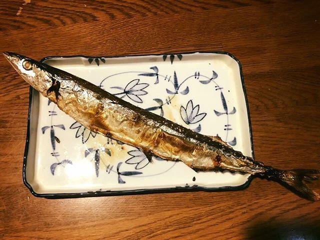 【Instagram】旬なので、秋刀魚の塩焼きやってみました(^o^)焦げずに焼けて良かったー。#秋刀魚の塩焼き #旬の魚