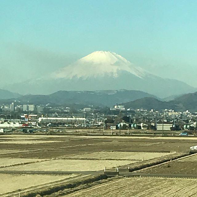 【Instagram】小田原駅で富士山を拝めました(^^)#富士山