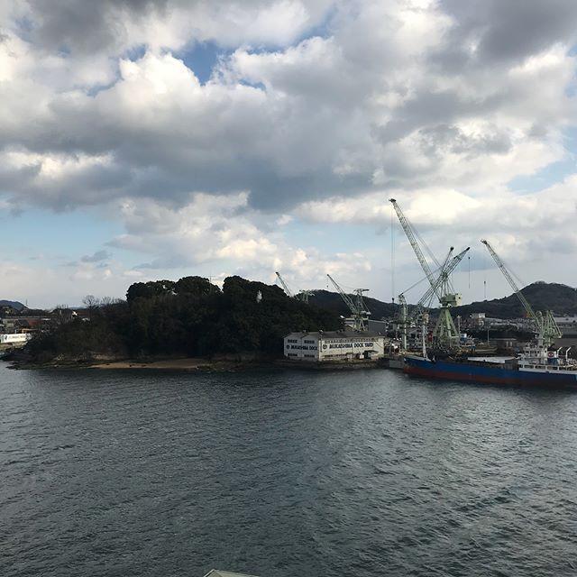 【Instagram】尾道に着きました。ホテルにチェックインしてまったり過ごします(^^)港が目の前!船も行き来していて落ち着きます。#旅 #尾道