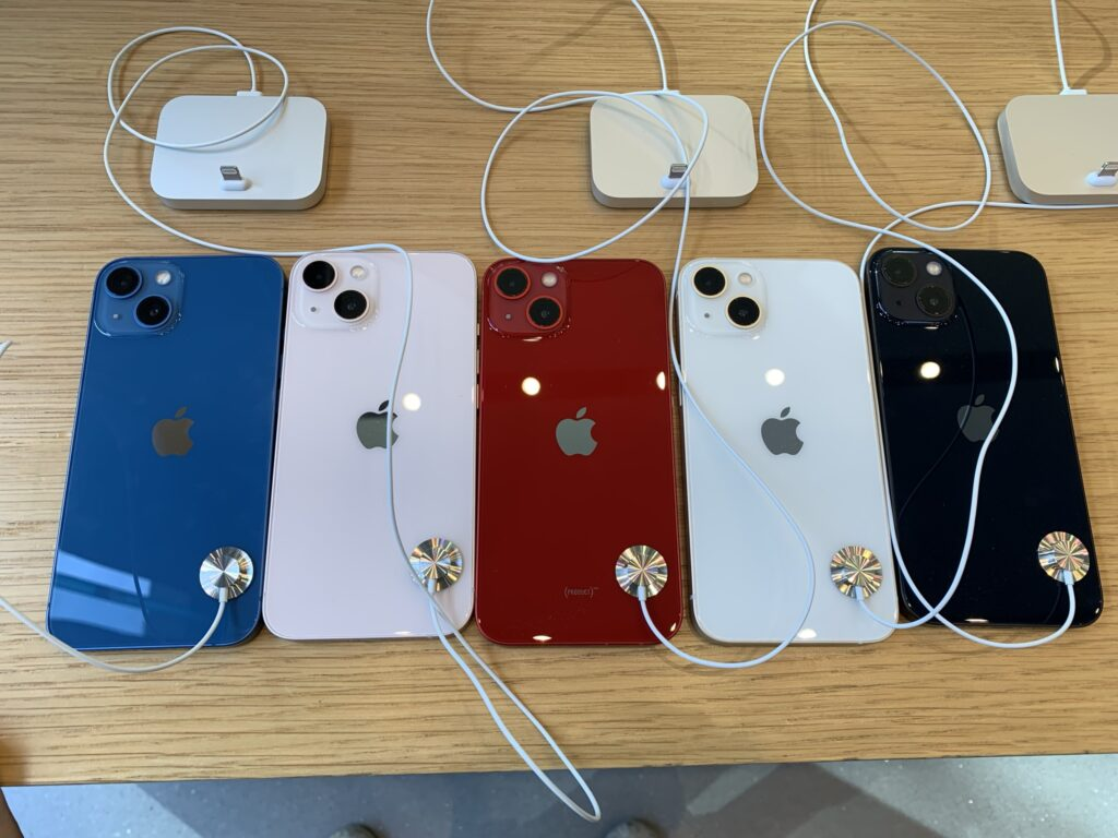 iPhone13、カラーバリエーション